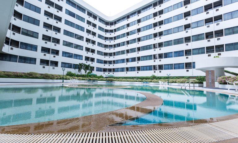 Asia Airport Hotel : สระว่ายน้ำ