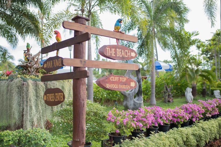 Asia Pattaya Hotel : Seafront Garden