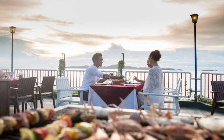 Asia Pattaya Hotel : Cliff Top Seafood Pavilion