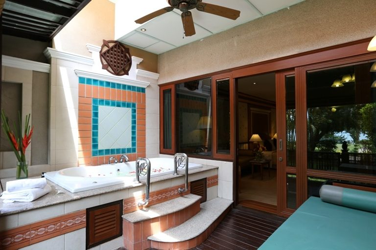 Asia Pattaya Hotel : Jacuzzi Suite